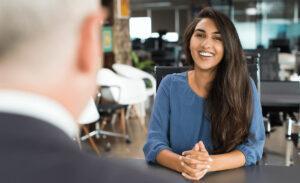 成果を出す社員を生み出す管理職スキルとは?部下との信頼につながる面談方法を解説